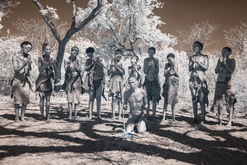 Namibia_Dunes_Etosha_San_Red-591-9